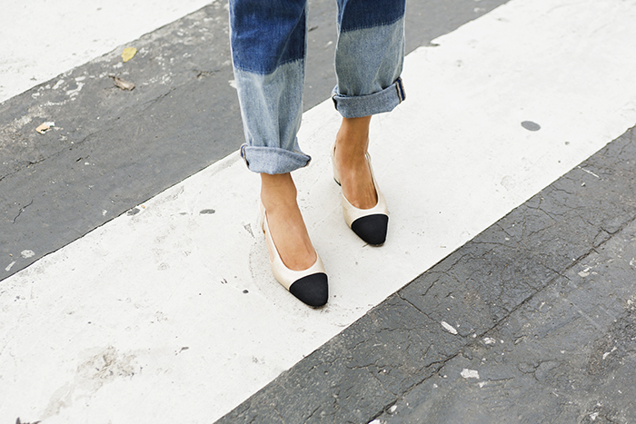 aimee_song_of_style_two_tone_boyfriend_jeans_chanel_classic_slingbacks