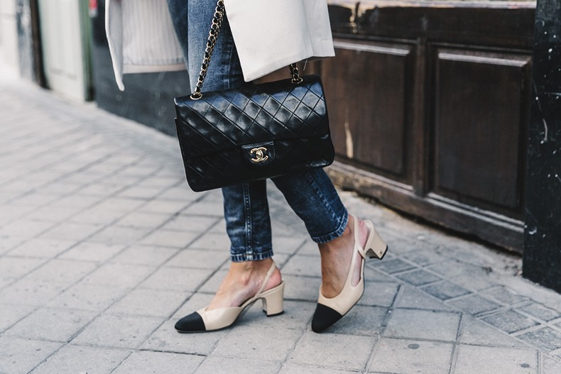 Long_Blazer-Off_The_Shoulders_Knit-Jeans-Chanel_Escarpins_Shoes-Chanel_Bag-Hoop_Earring-Outfit-Street_Style-Topknot-66-790x527