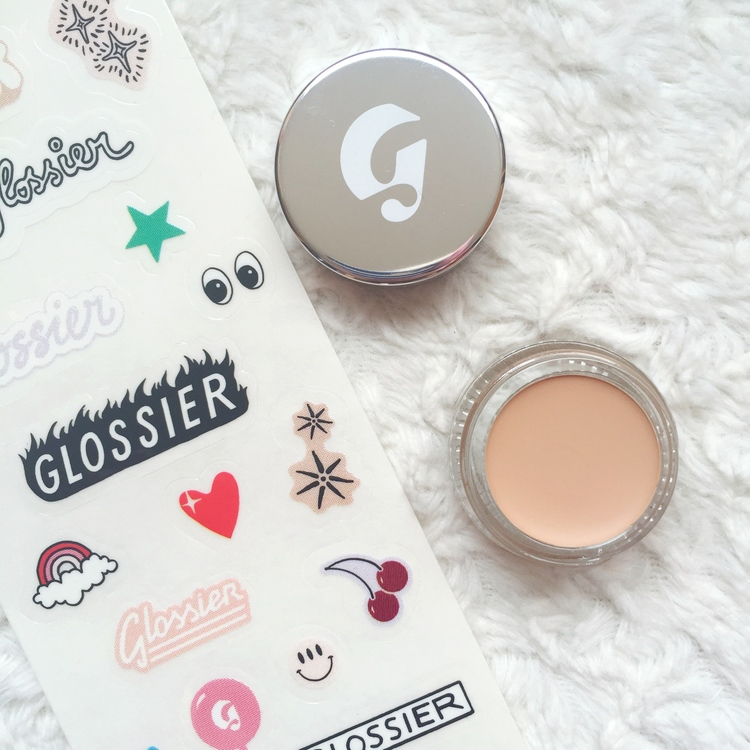 Glossier+Stretch+Concealer+in+light+-+Southern+New+Yorker